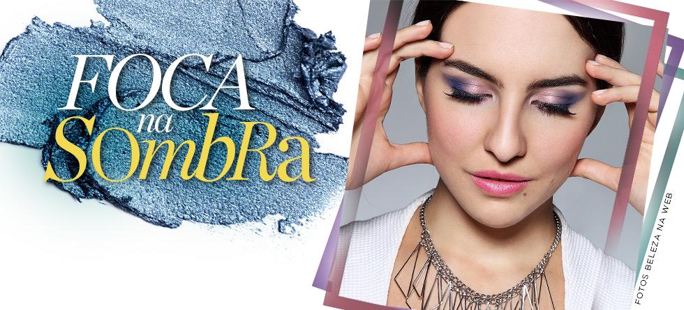Maquiagem com azul e roxo
